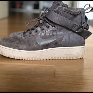Nike sf air force 1 mid men's shoe size 7 grey